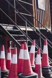 Equipamento dos postes de amarração dos cones do tráfego Imagem de Stock