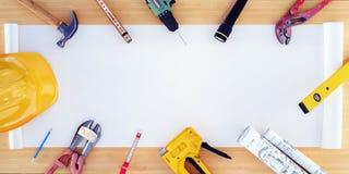 Equipamento e ferramentas de construção no modelo vazio da casa com espaço do modelo imagens de stock royalty free