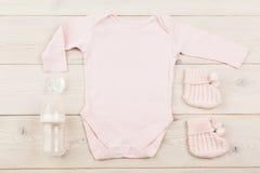Equipamento e manequins do bebê imagens de stock