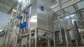Equipamento industrial tecnologico complexo moderno da purificação de água vídeos de arquivo