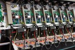 Equipamento interno com circuitos eletrônicos imagens de stock