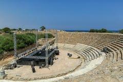 Equipamento moderno do concerto da fase e da música no anfiteatro dos salames, Chipre do norte fotografia de stock royalty free