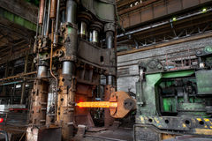 Equipamento para pressionar o metal quente Foto de Stock Royalty Free