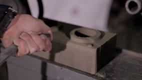 Equipamento para a produção do tijolo vídeos de arquivo