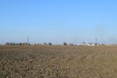 Equipamento para a separação do óleo A estação está no campo Foto de Stock