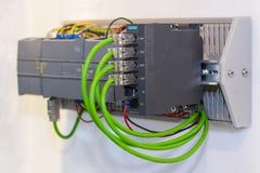 Equipamento programável automático da elevada precisão do PLC do controlador da lógica para industrial foto de stock