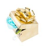 Equipamentos de pesca do presente na caixa quadrada da cor do ouro com curva Imagem de Stock Royalty Free