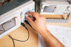 Equipamentos eletrônicos no serviço Fotografia de Stock Royalty Free