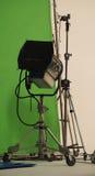 Equipamentos grandes da luz do estúdio para o filme Fotografia de Stock Royalty Free