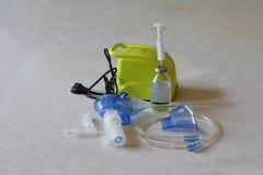 equipamiento médico para la inhalación foto de archivo
