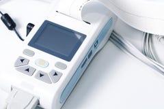 Equipamiento médico para la medida de ECG Imágenes de archivo libres de regalías