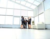 Equipe bem sucedida e feliz do negócio Imagens de Stock Royalty Free