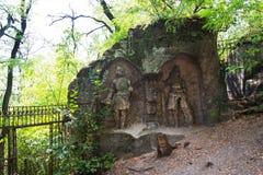 Equipe a caverna feita Klacelka perto de Libechov, República Checa do arenito Fotografia de Stock