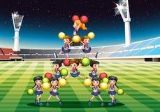 Equipe Cheerleading Imagens de Stock Royalty Free