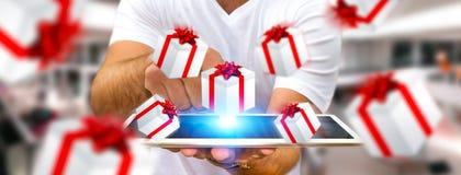 Equipe a comemoração do Natal que guarda o presente em sua mão Imagem de Stock Royalty Free
