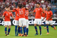 Equipe da alegria do Chile após ter marcado o objetivo foto de stock