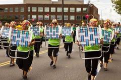 Equipe da dança da precisão da cadeira de gramado Imagens de Stock Royalty Free