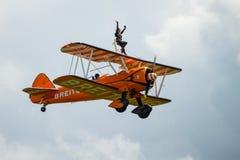 Equipe da exposição de Breitling Wing Walkers Fotos de Stock Royalty Free