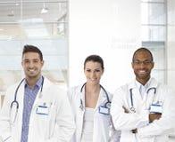 Equipe de doutores novos Fotografia de Stock Royalty Free
