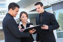 Equipe diversa do negócio no prédio de escritórios Imagens de Stock