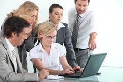 Equipe do negócio no treinamento