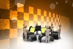 Equipe do negócio que olha um portátil Fotografia de Stock