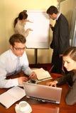 Equipe do negócio que prepara um suporte Fotografia de Stock Royalty Free