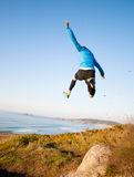 Equipe a doação de um salto grande ao praticar o corredor da fuga Foto de Stock Royalty Free