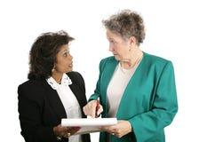 Equipe fêmea do negócio - discussão foto de stock