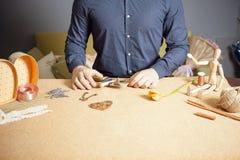 Equipe fazer o presente feito a mão para sua esposa ou amiga amado Foto de Stock