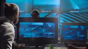 Equipe futurista da fiscalização do escritório das forças especiais video estoque