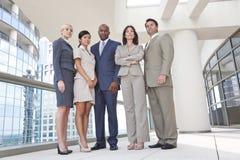 Equipe inter-racial do negócio dos homens & das mulheres Imagens de Stock Royalty Free