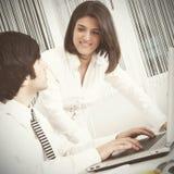 Equipe moderna no escritório Foto de Stock Royalty Free