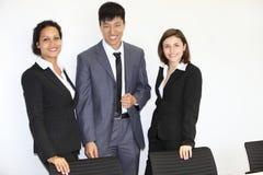 Equipe multi-étnico segura do negócio imagens de stock