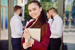Equipe nova de trabalhadores de escritório Menina nos vidros Senhora #37 do negócio Foto de Stock Royalty Free