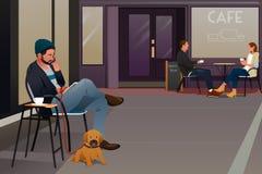 Equipe o assento em um café que fala no telefone Imagens de Stock Royalty Free