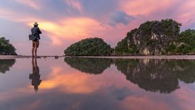 Equipe o fotógrafo e a paisagem do verão de Krabi, Tailândia Imagem de Stock Royalty Free