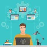 Equipe o programador da Software Engineer com conceito do portátil com soluções do projeto, da otimização, as responsivas e de co ilustração do vetor