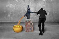 Equipe o roo retro dourado de tiragem do concreto da bomba dos símbolos de moeda da areia Imagem de Stock Royalty Free
