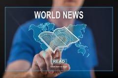Equipe o toque de um conceito das notícias do mundo em um tela táctil Fotografia de Stock