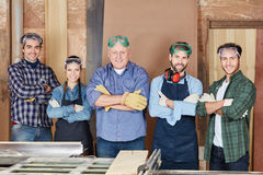 Equipe orgulhosa dos carpinteiros fotos de stock royalty free
