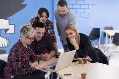 Equipe Startup do negócio na reunião no escritório moderno Fotografia de Stock Royalty Free
