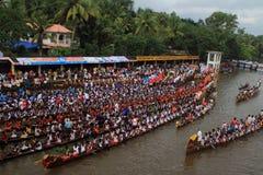 Equipes de barco da serpente Fotografia de Stock Royalty Free
