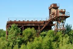 Equipo abandonado de la mina Imagen de archivo libre de regalías