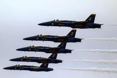 Equipo aeroacrobacia de la exhibición de los ángeles azules Imagen de archivo libre de regalías