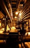 Equipo, cables, maquinaria y tubería Foto de archivo