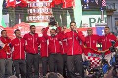 Equipo croata del tenis en la celebración casera agradable foto de archivo