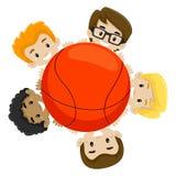 Equipo de baloncesto que sostiene la bola Imagen de archivo libre de regalías