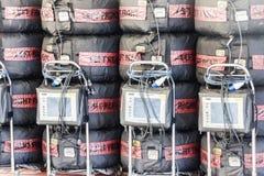 Equipo de encajonamiento Mercedes Calentadores de goma de Nico Erik Rosberg de los equipos Fotografía de archivo libre de regalías