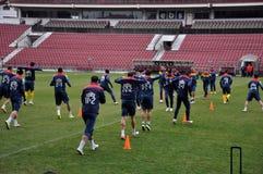 Equipo de fútbol nacional de Rumania durante un agai de la sesión de formación Imagen de archivo